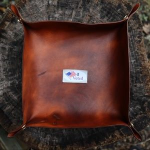 Saddle Tan Leather Catchall Valet Tray
